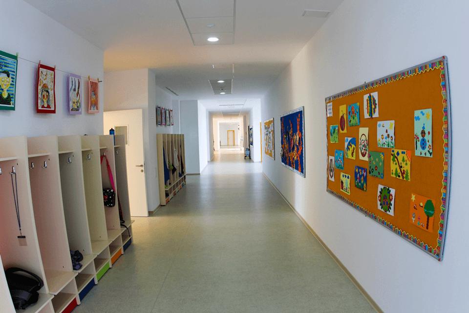 Covor PVC cu protectie poliuretanica pentru coridoare si spatii comune gradinite si scoli