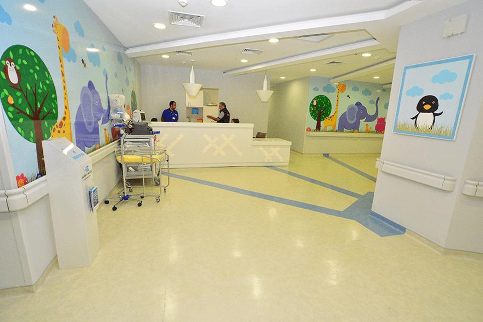 Covor PVC cu traseu marcat pentru holuri, receptii si spatii comune in unitati medical-sanitare