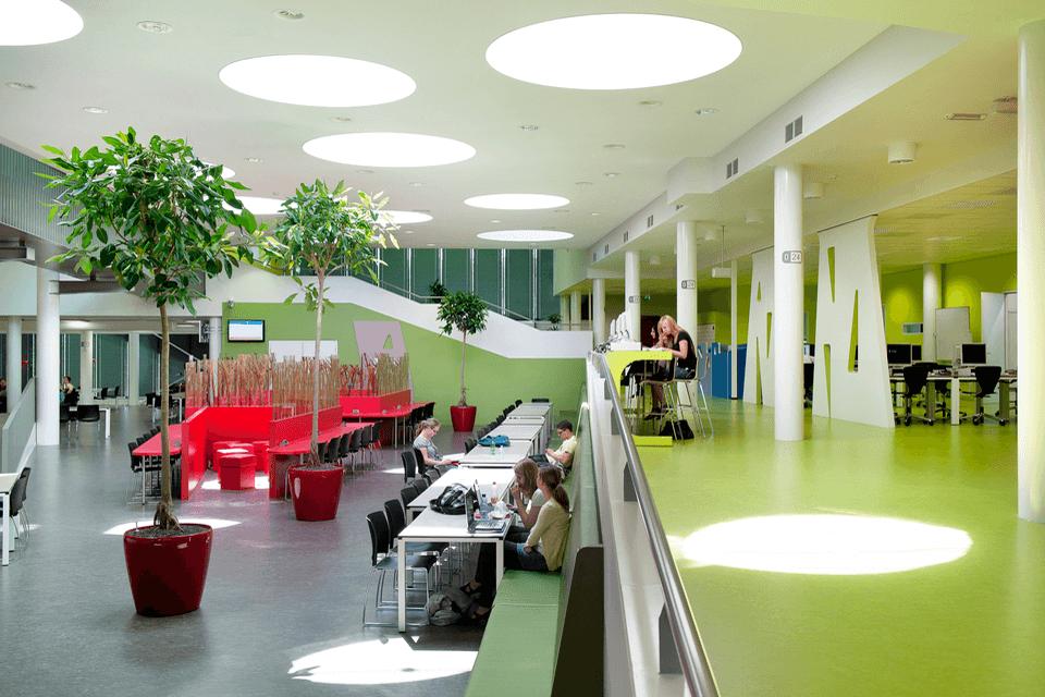 Covor PVC pentru spatii deschis in liceu sau facultate