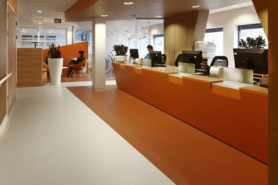 Covor PVC personalizabil pentru receptii cladiri de birouri