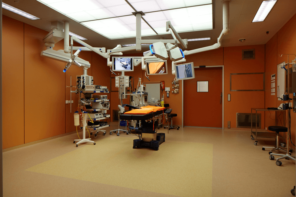 Covor PVC ru ridicare pe pereti pentru sali de operatie