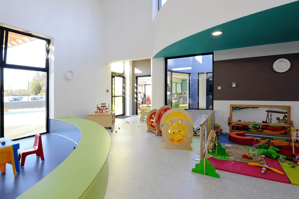 Finisaj de pardoseala din PVC pentru spatiile de joaca pentru copii
