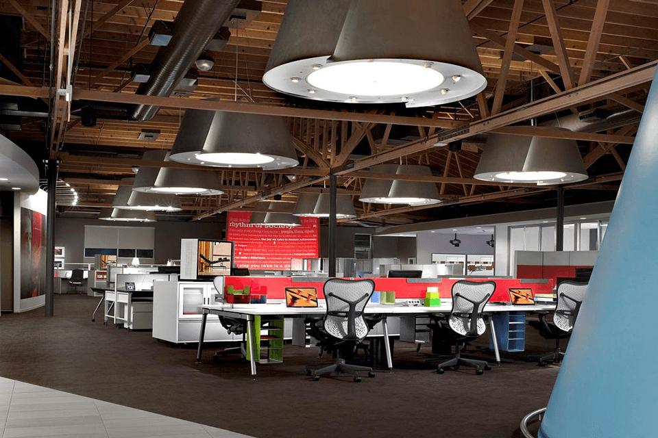 Mix de gresie si mocheta pentru birouri open space