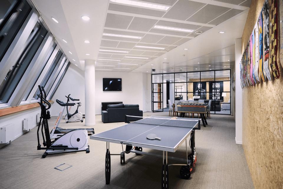 Mocheta dale seamless pentru spatiile de relaxare din cladirile de birouri