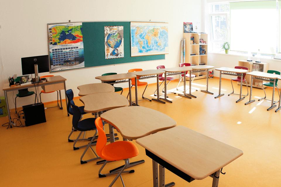 PVC omogen antiderapant pentru salile de clasa