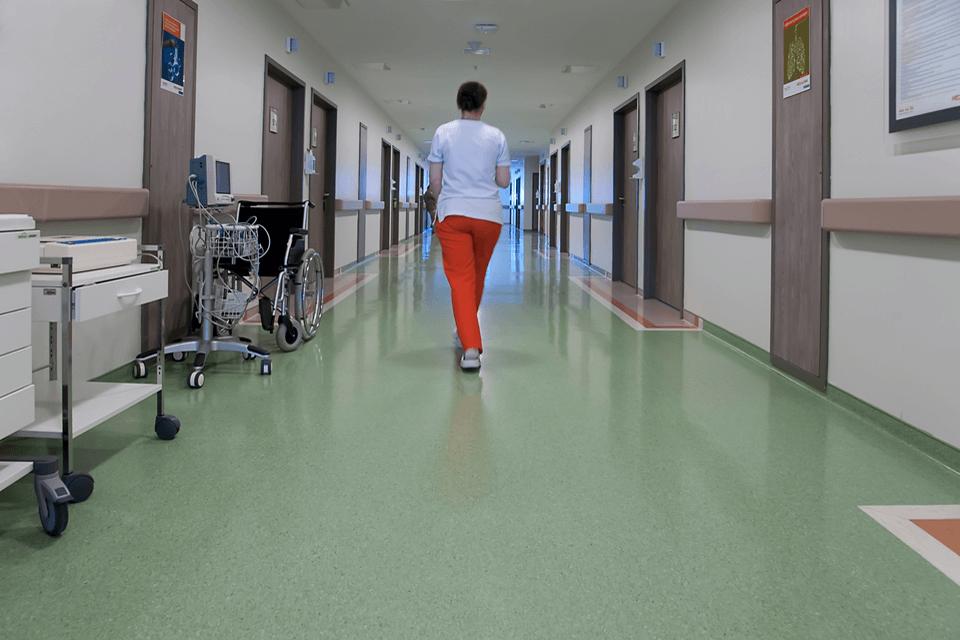 Pardoseala din PVC pentru holuri, lobbyuri si receptii spitale si clinici medicale